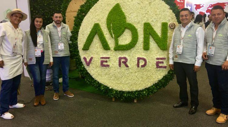 """""""ADN VERDE® empresa Colombiana comprometida con el sector floricultor y dedicada al desarrollo de productos efectivos y de Bajo Impacto Ambiental"""
